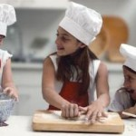 3GirlsBaking_2.jpg.opt414x206o0,0s414x206